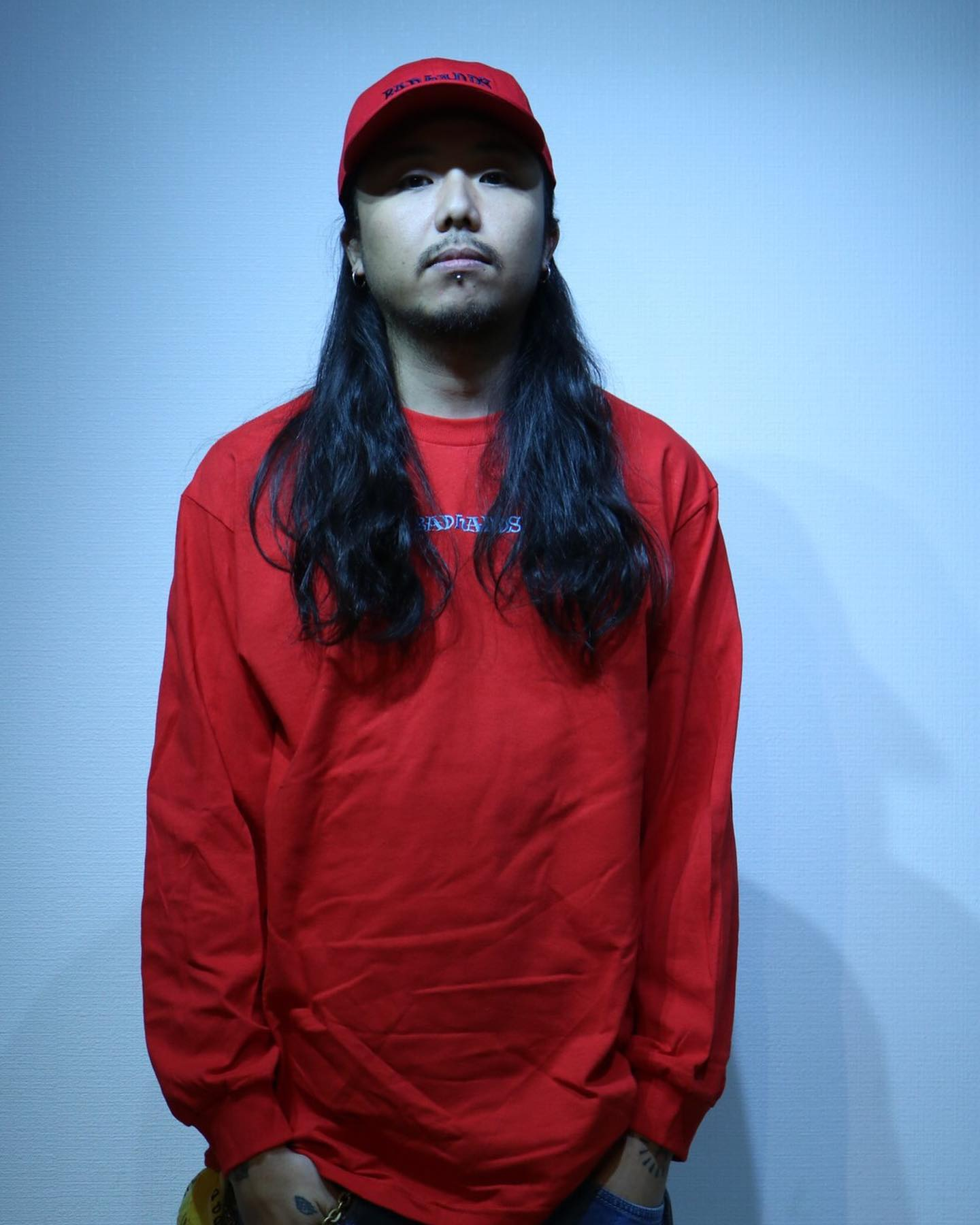 BAD HANDS 2020 L/S Redの写真