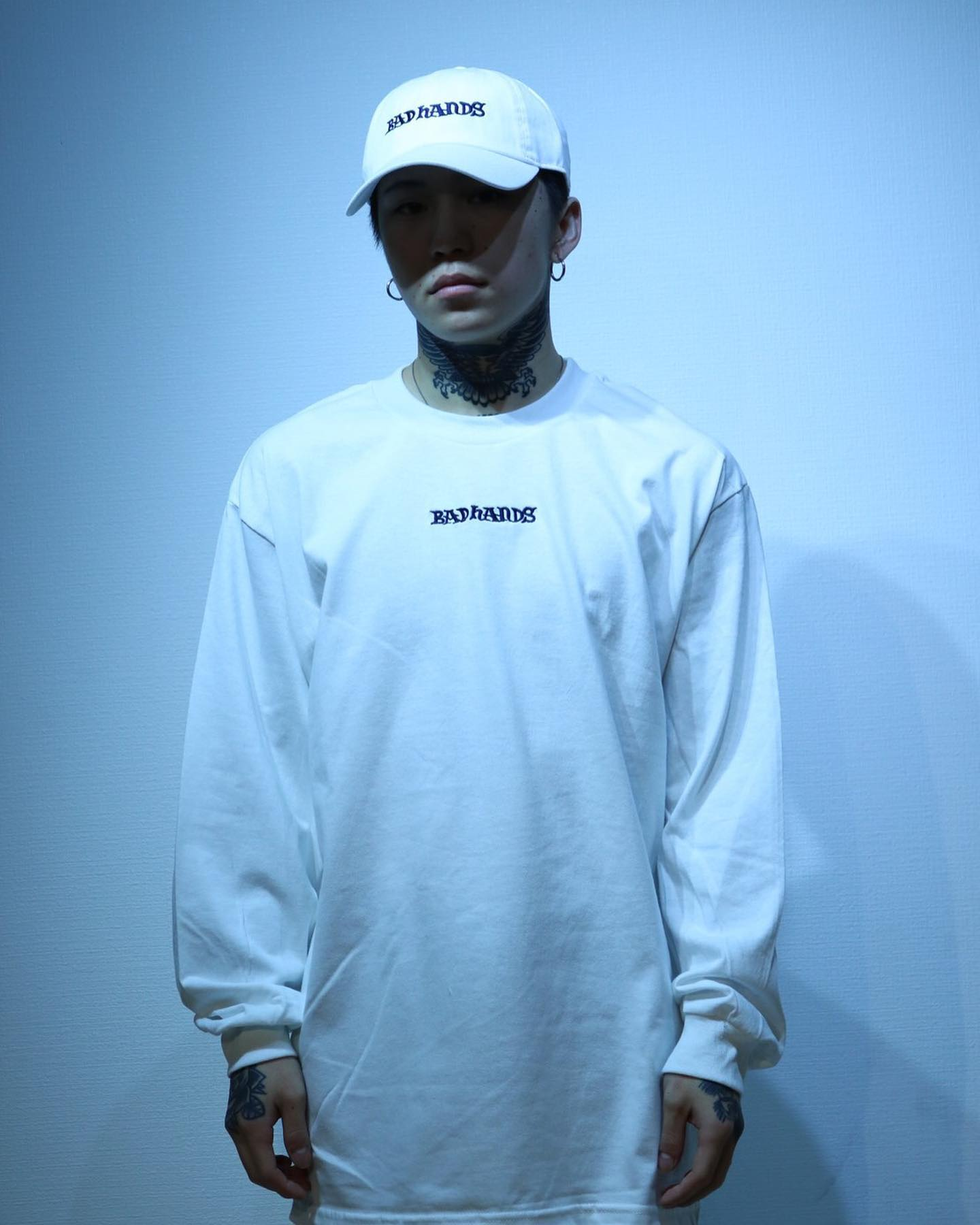BAD HANDS 2020 L/S Whiteの写真