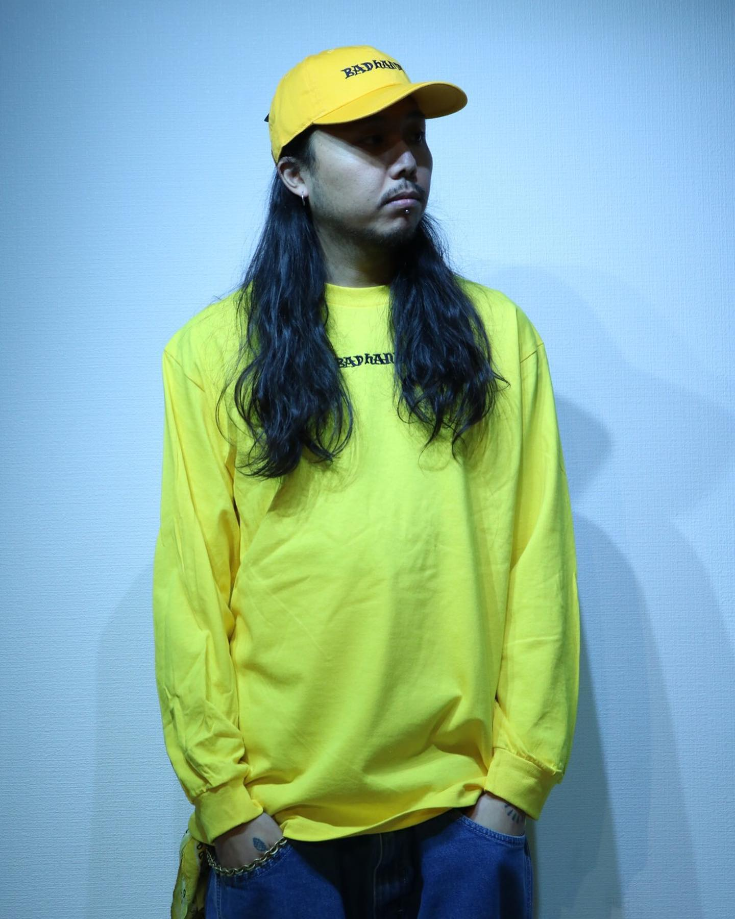 BAD HANDS 2020 L/S Yellowの写真